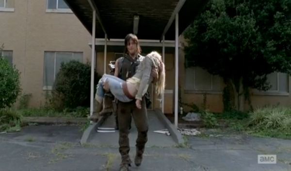 screen-shot-2014-12-01-at-10-47-30-am-5-things-you-might-have-missed-in-the-walking-dead-coda